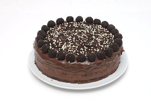 Torta de Negrinho e Branquinho Grande
