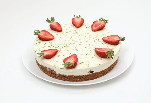 Torta Musse de Limão, Morango e Chantilly Grande
