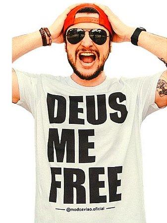 Camiseta Deus Me Free