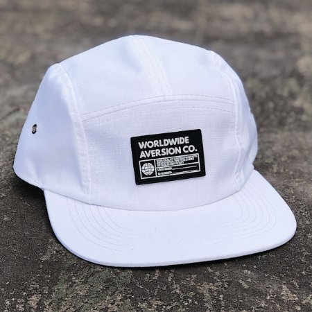 Boné Aversion Five Panel Aba Reta Branco - Model Worldwide