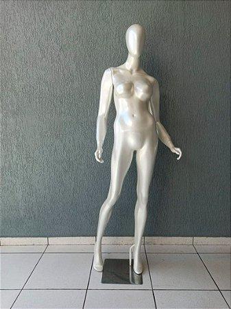 Manequim Feminino de Fibra Pérola