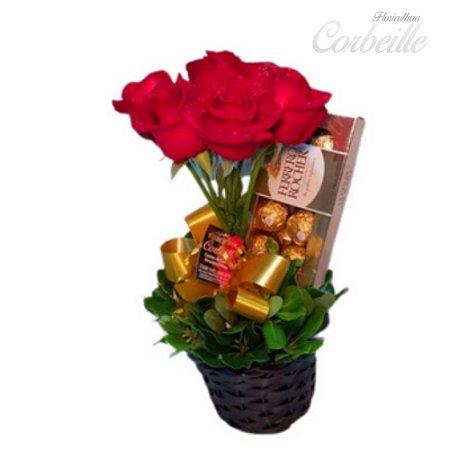 Arranjo de Rosas no Cachepot com Ferrero Rocher de 8 unidades