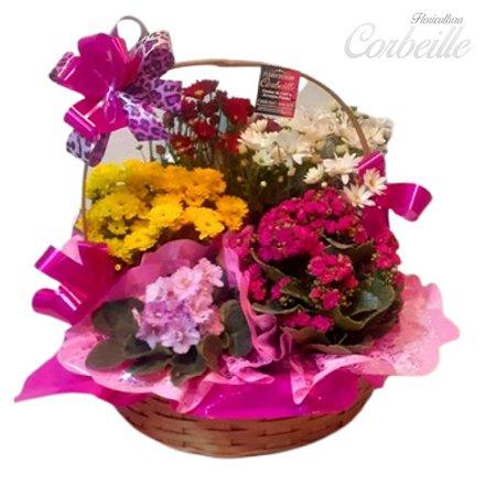 Cesta de Vasos com Flores Variadas