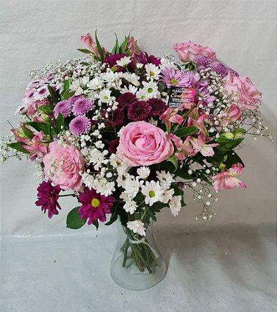 Arranjo de Flores Nobres Lilás
