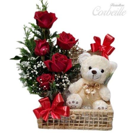 Baú com 5 Rosas Vermelhas e Pelúcia