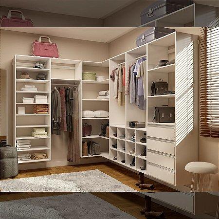 Closet Completo (01) em L com Prateleiras, Gaveteiros, Nichos, Sapateira e Cabideiros