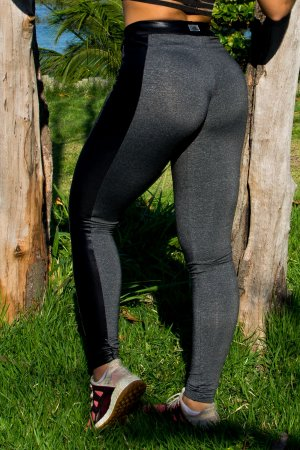 Legging mescla com recorte cirrê