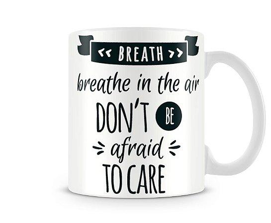 Caneca Breathe Pink Floyd