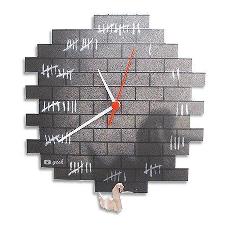 Relógio de Parede Preso