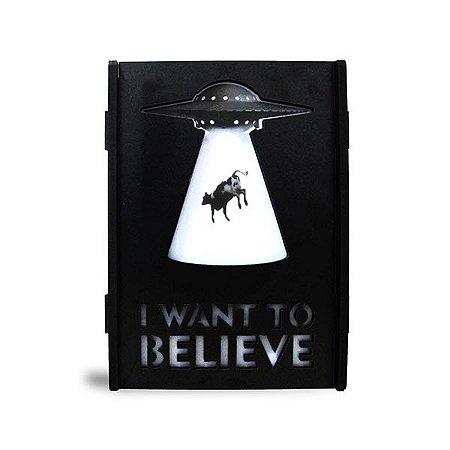 Luminária Caixa I want to believe