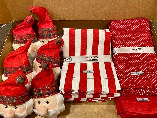 Kit Natal 6 Lugares - Jogo Americano - Listrado - Vermelho - Guardanapos Poá Pequeno Vermelho e Guardanapo Liso Vermelho - Mimos Têxtil