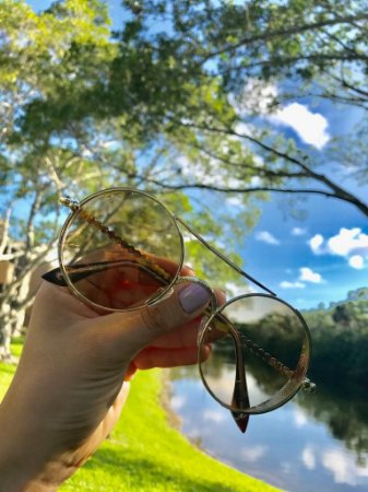 ce77088a6 Óculos de Sol Feminino John Lennon Dourado - Guees Money Outlet