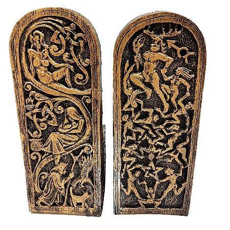 Deuses no Trono (representação de altar)