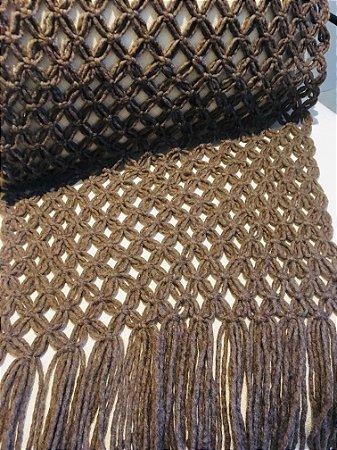 Manta Macramé - lã de carneiro - marrom - 0,60 x 1,65