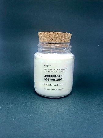Vela Perfumada de Jabuticaba com Noz Moscada (Pote com tampa de cortiça M)