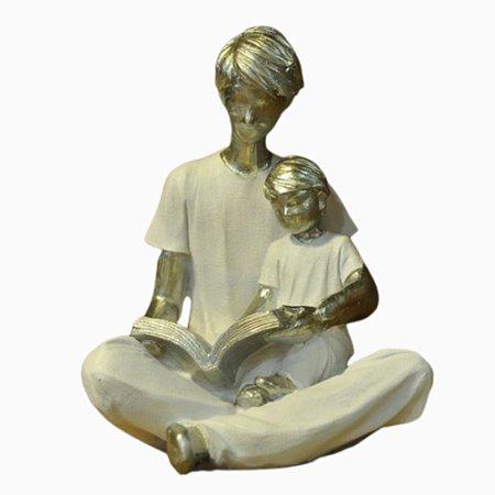 Escultura em Resina Pai de Filho