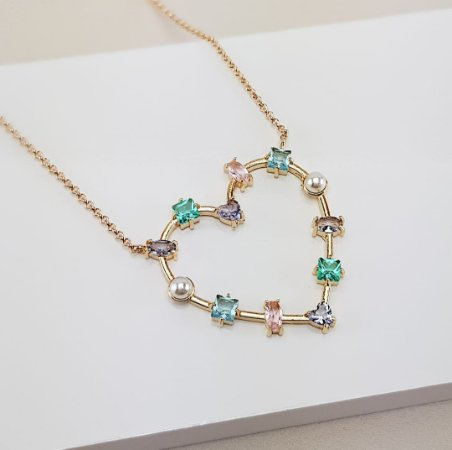 Colar Semijoia Coração Pedras Cristal e Pérolas Banho Ouro 18k