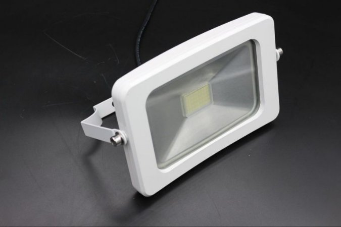Refletor Ipad Branco Led 30w Branco Frio 6500K  IP66