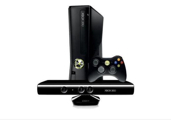 Console Xbox 360 Slim 4GB com Kinect Preto