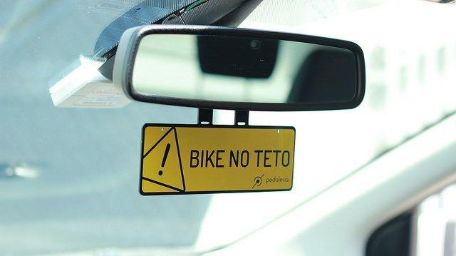 Crachá de retrovisor - Bike no teto (COMPRE 1 LEVE 2)