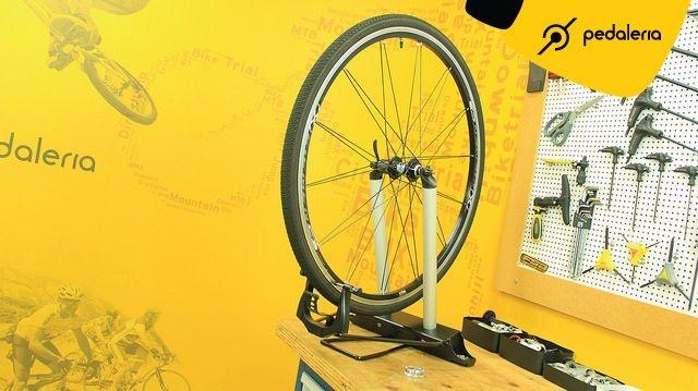 Alinhador de rodas + chave de raio