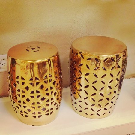 Banqueta Xanadu Cerâmica Dourado