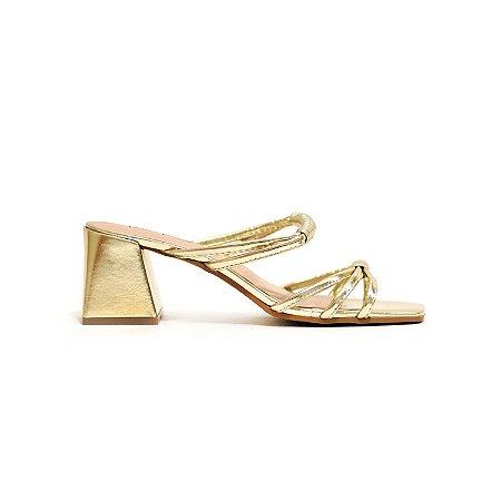 Sandália Metalizada Ouro e Salto Trapézio