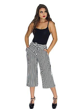 Calça Pantacourt Pantalona Listrada E Lisa