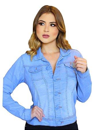 Jaqueta manga longa e botões.