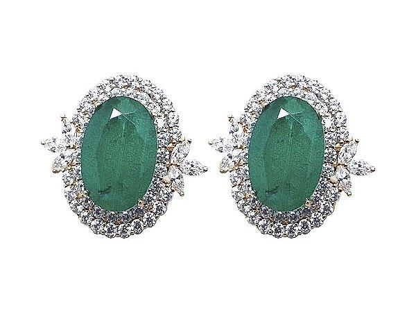 Brinco folheado pedra na cor verde   esmeralda