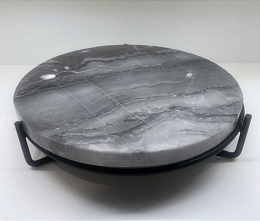 Tábua de mármore com base em ferro
