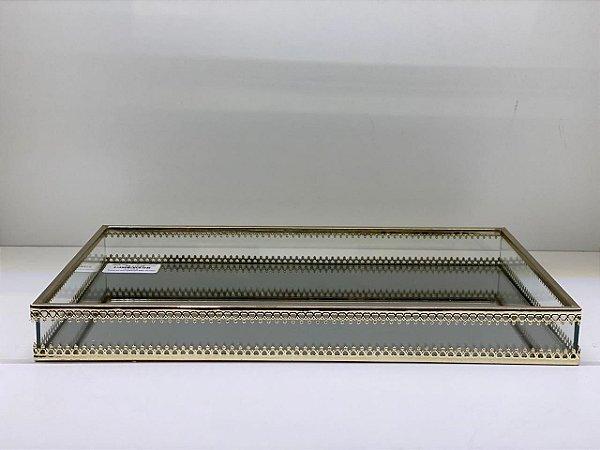 Bandeja de vidro e metal dourado