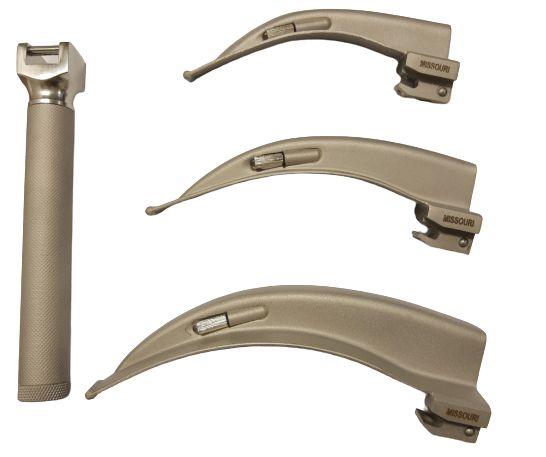 Kit Laringoscópio Missouri Adulto Convencional com 3 Lâminas Curvas