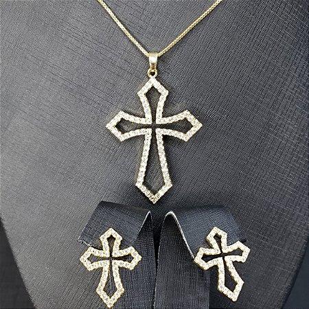 Conjunto colar e brincos com pingente em forma de cruz cravejados com microzircônias  banhado em ouro 18k