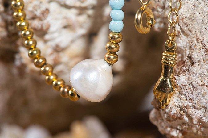 Colar Pedrinhas Azuis Folheado a Ouro com Pérola de Água Doce