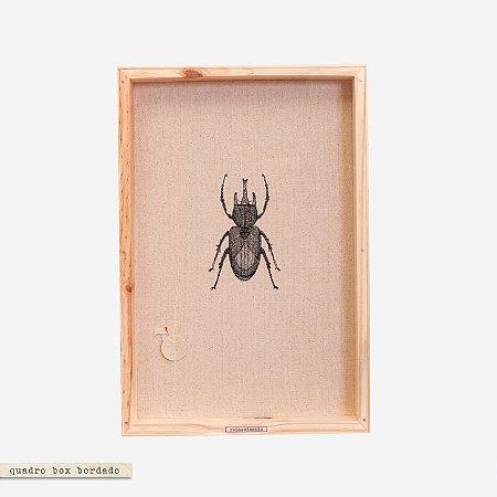 Quadro Box Bordado Naturale - Escaravelho