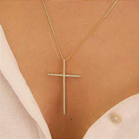 Colar com Crucifixo Cravejado de Zircônias