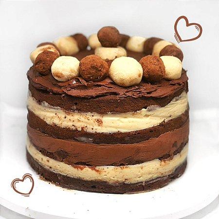 """Bolo Brownie com recheio de """"Nutella"""" (creme de avelã com cacau) e Leite Ninho 1kg"""