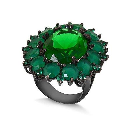 Anel  flor com banho em ródio negro e zircônias esmeralda