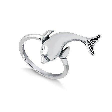 Anel golfinho em prata envelhecida.