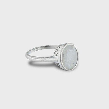 Anel Oval Prata 925 e Pedras Naturais: Cristal e Pedra da Lua