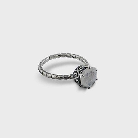 Anel Solitário Trançado Prata 925 e Pedra Natural: Cristal e Pedra da Lua
