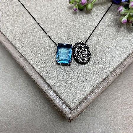 Colar Escapulário Pedra Azul e Cruz Semijoia Ródio Negro