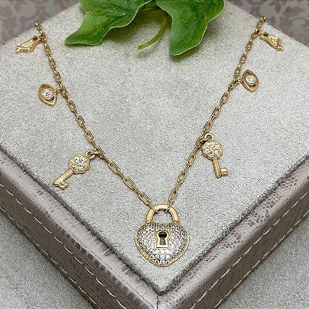 Colar Pingentinhos e Cadeado de Coração Cravejado Semijoia Ouro