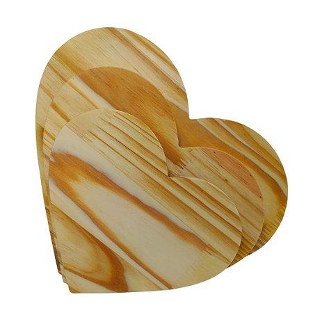 Trio de coração em madeira pinus mesa posta