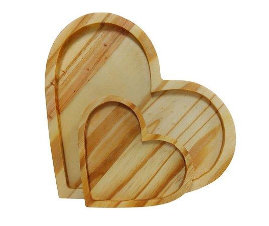 Conjunto prato e pires de coração em madeira - 1 prato e 1 pires