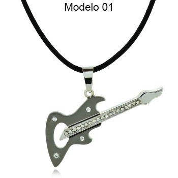 Colar com pingente Guitarra
