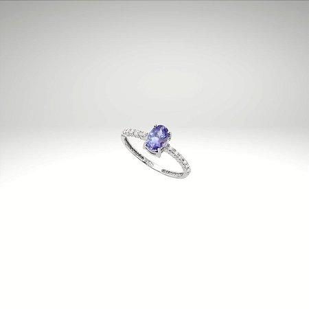 Anel com Tanzanita Oval e Diamantes