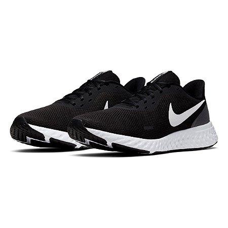 Tênis Nike Revolution 5 Masculino Preto e Branco BQ3204-002