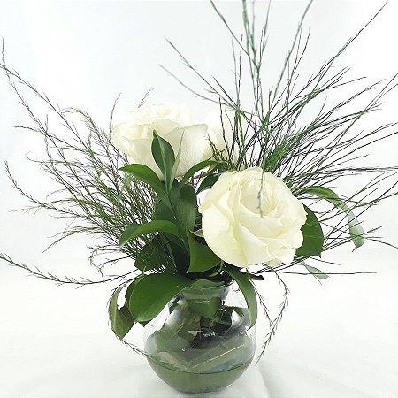Arranjinho Mesa de Centro Rosas Branca